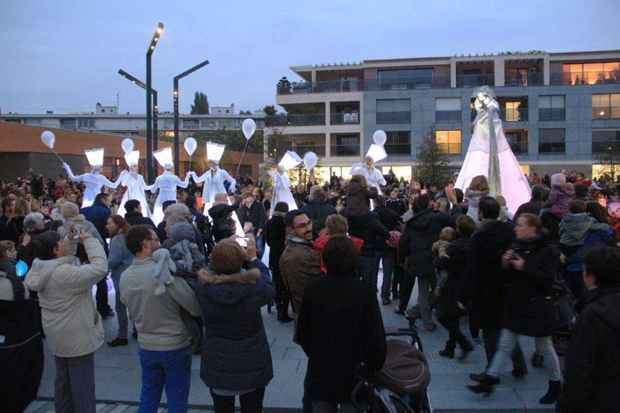 Parade La Cour Des Fées